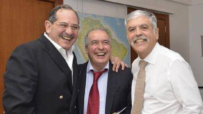 Acusan a Alperovich, José López y De Vido de quedarse con plata de obras
