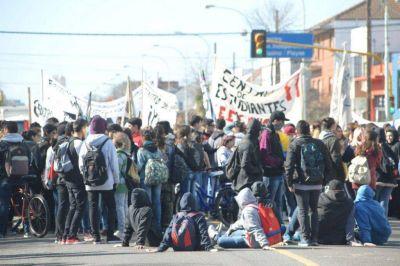 Estudiantes levantaron la toma del Consejo Escolar