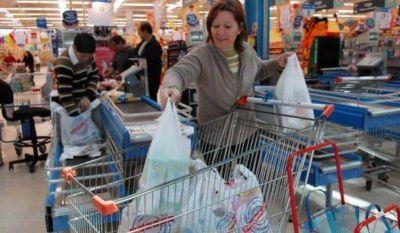 Prohíben la entrega de bolsas plásticas