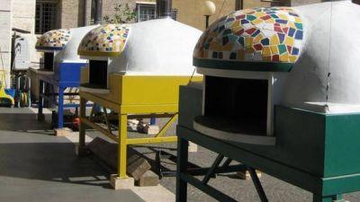 El Papa invitó a comer pizza a 1.500 pobres en el Vaticano