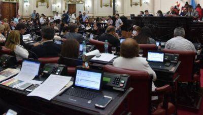 Proponen que se use menos papel en la Legislatura