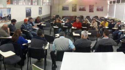 Producción firmó convenio con la Universidad Nacional San Juan Bosco para fortalecer al sector cervecero