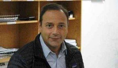 Petruccelli pide mejoras para el barrio de la Sociedad de Fomento Malvinas Argentinas