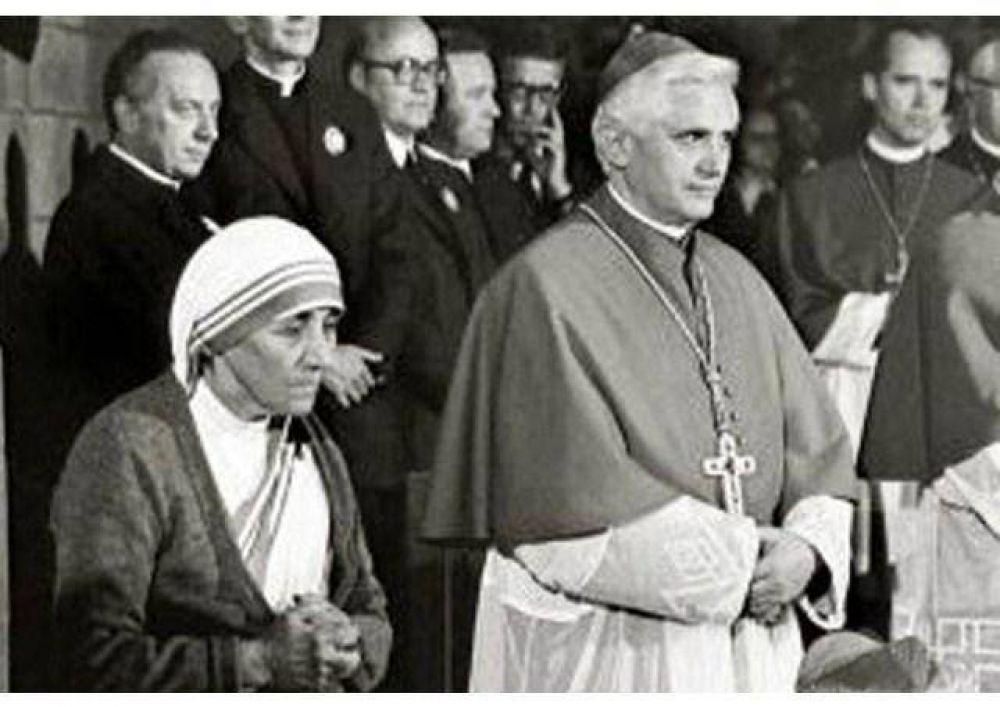La Madre Teresa de Calcuta y Benedicto XVI
