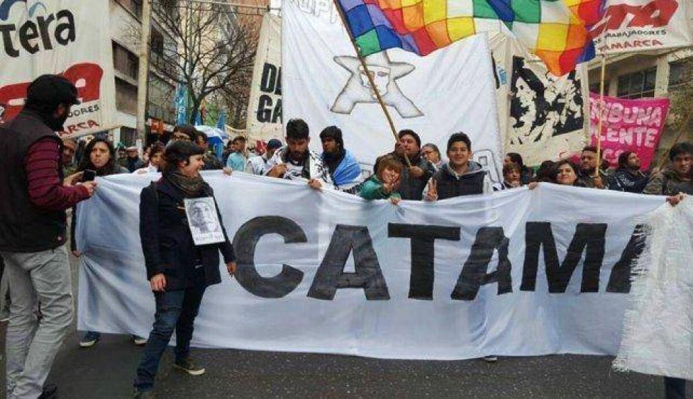 """Catamarqueños marcharon en """"defensa del trabajo"""""""