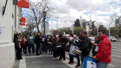 Otra protesta por el Procrear en Santa Rosa