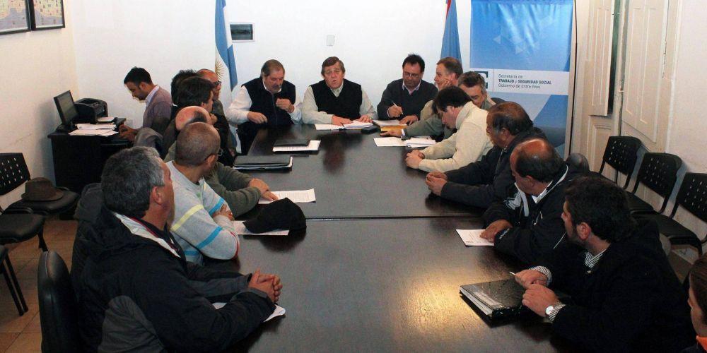 El Municipio de Paraná  mejoró la oferta salarial y dos gremios la aceptaron