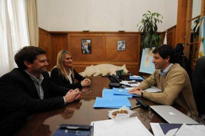 Garc�a De Luca y Antonijevic firmaron convenios de obras para Baradero por m�s de 40 millones de pesos