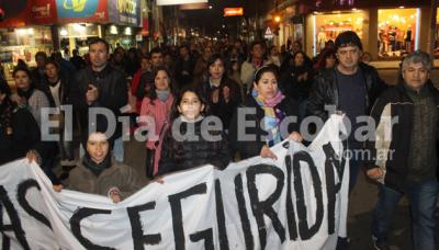 Vecinos de Garín marcharon para reclamar un freno al avance de la delincuencia