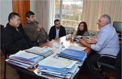 Gremios docentes convocados a encuentro de paritaria laboral