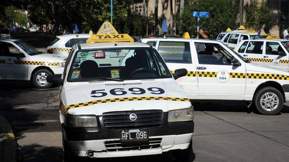 Taxistas piden un aumento del 20%
