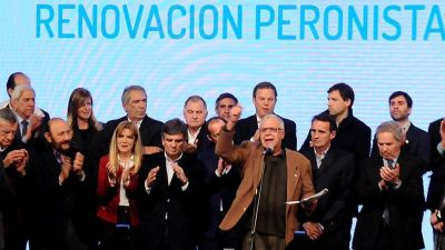 Insfrán en cumbre del peronismo nacional