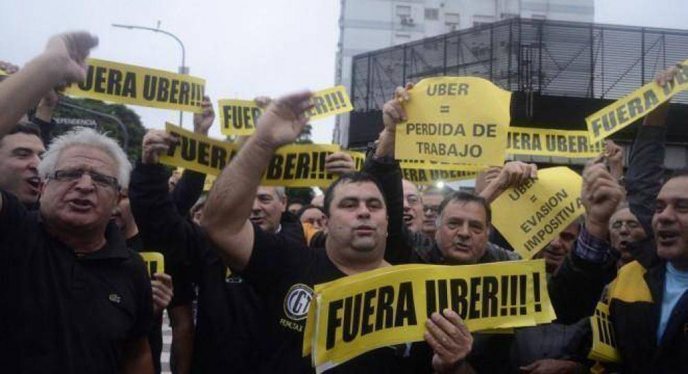 El PRO avanza con la aplicación de Viviani para destruir a Uber