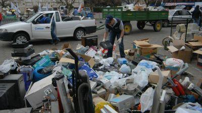 Har�n una campa�a de recolecci�n de residuos peligrosos en el play�n de la UNS