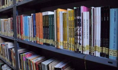 Un movimiento de pinzas estatal pone en jaque a bibliotecas bonaerenses