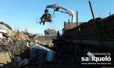 El municipio de Salliquel� trabaja en la recuperaci�n de chatarra en el basurero municipal
