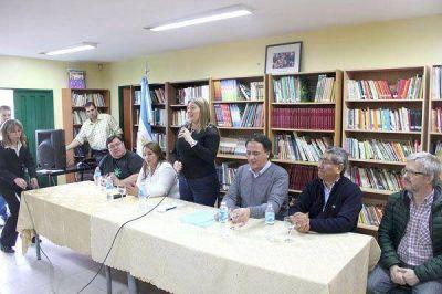Bertone firmó los convenios relacionados al Programa Nacional de Alfabetización