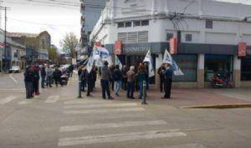 Bancarios protestaron en contra de