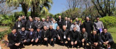 Obispos de América Latina participan del XII Curso de Actualización Bíblica en Paraguay