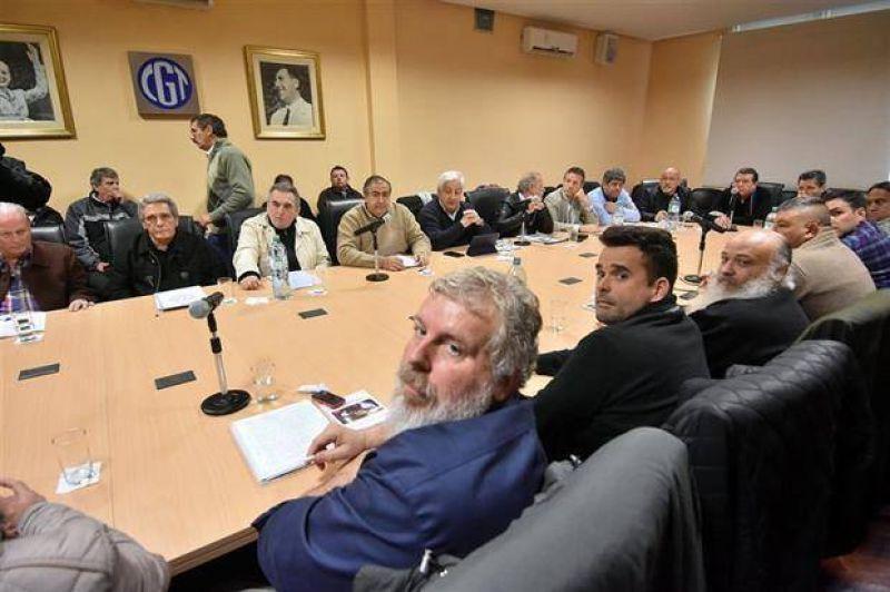 La CGT acordó con piqueteros y avanza hacia un paro nacional