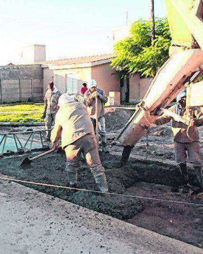 Fuerte inversión del Municipio para pavimentar calles en dos sectores