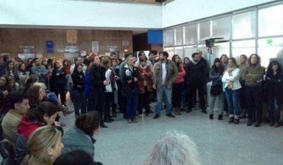 M�s de 500 trabajadores del IOMA quedar�an en la calle a fin de a�o