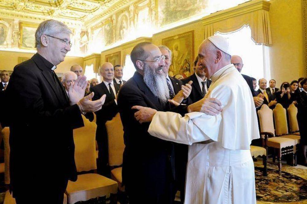 Francisco criticó el uso de la religión
