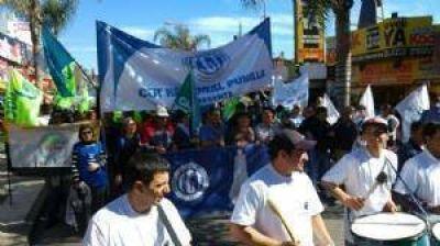 """Los gremios de Punilla marcharon contra los """"tarifazos"""""""