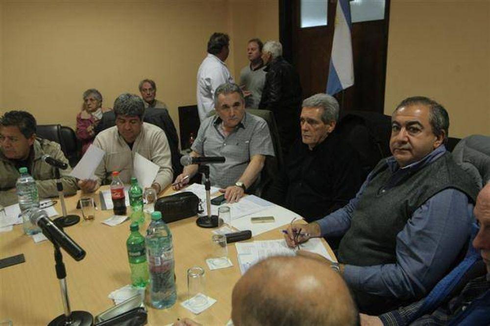 La cúpula de la CGT acordó poner en marcha un paro nacional, pero no definió fecha