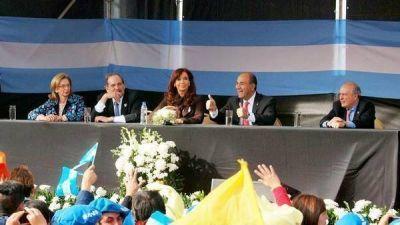 Denuncian a De Vido y Alperovich por un desvío millonario en obras en Tucumán