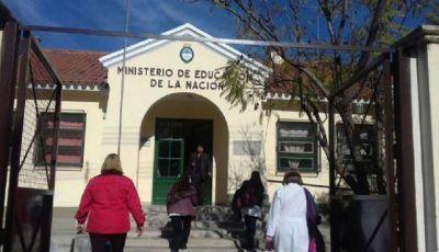 Autoridades del Ministerio de Salud se reunieron con la comunidad educativa por caso de meningitis