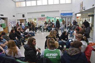 Autoconvocados definirán temario a debatir en la paritaria sectorial