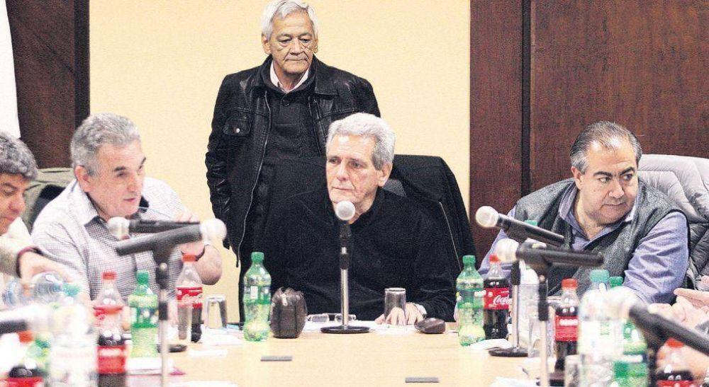 Macri reacciona a pacto CGT con piqueteros y abre diálogo