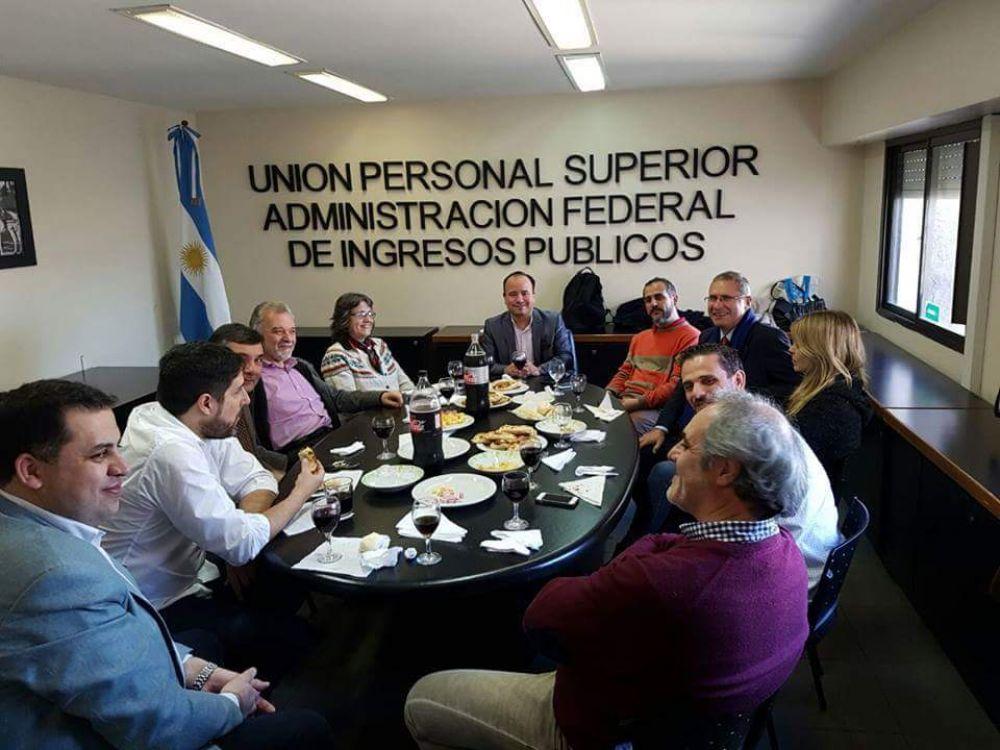 Encuentro entre UPSAFIP y periodistas
