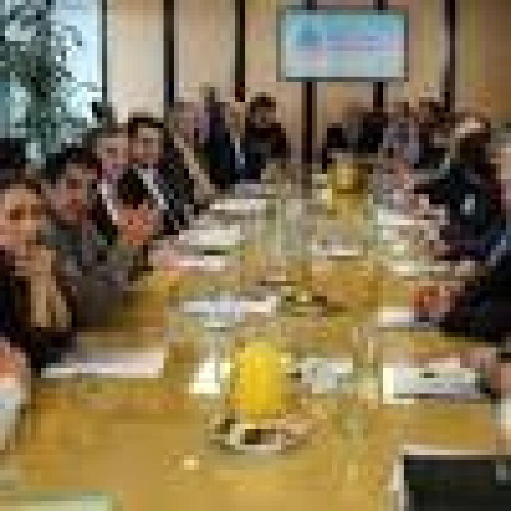 ATE ratificó el paro de la última semana de septiembre luego del encuentro con Triaca