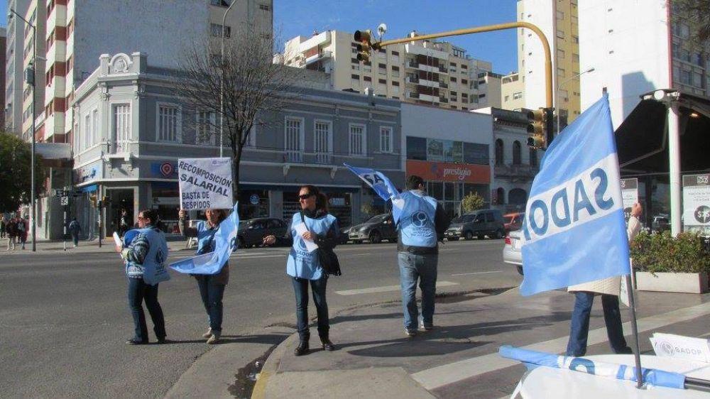 SADOP denuncia descuentos en salarios a los docentes