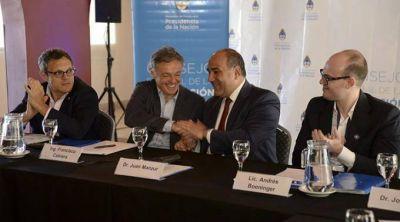 Manzur y Cabrera encabezaron el Consejo Regional de Producción