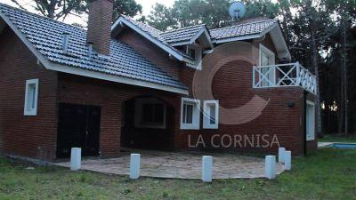 Denuncian que L�zaro B�ez lavaba dinero con exclusivas casas en Pinamar