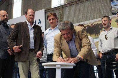 Rural de Jes�s Mar�a: Provincia y Naci�n firmaron acuerdo