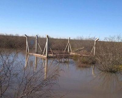 Denuncian contaminación del río Colorado por una falla en un gasoducto