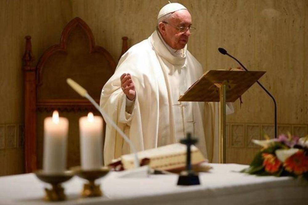 El papa en Sta. Marta: el diablo quiere destruir la unidad de la Iglesia
