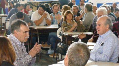 Parrilli quiere que Bertoldi sea candidato a gobernador