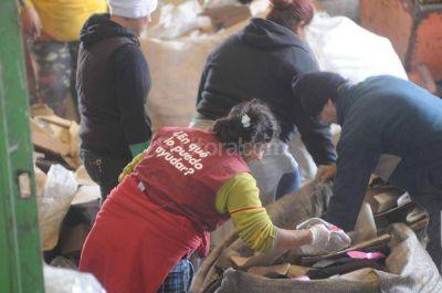 Presentan nuevo programa para recolectores informales de basura
