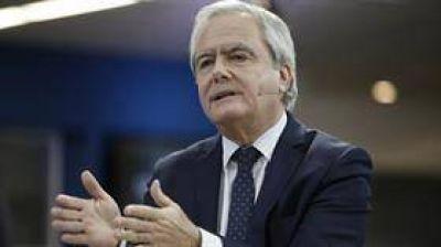 Para Federico Pinedo, Aranguren debe vender sus acciones en Shell o