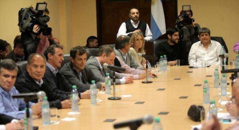 Los intendentes le propusieron a la CGT armar un Frente Amplio para enfrentar a Macri