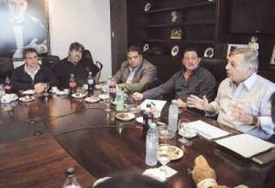 Triaca defendió la gestión del Gobierno ante los sindicalistas del MASA