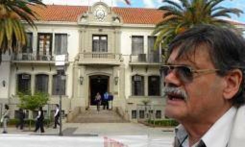 AMP inst� al gobierno a no descontar el d�a de paro docente
