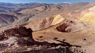 Cómo fue el plan de Barrick Gold para ocultar la contaminación por el derrame de cianuro en San Juan