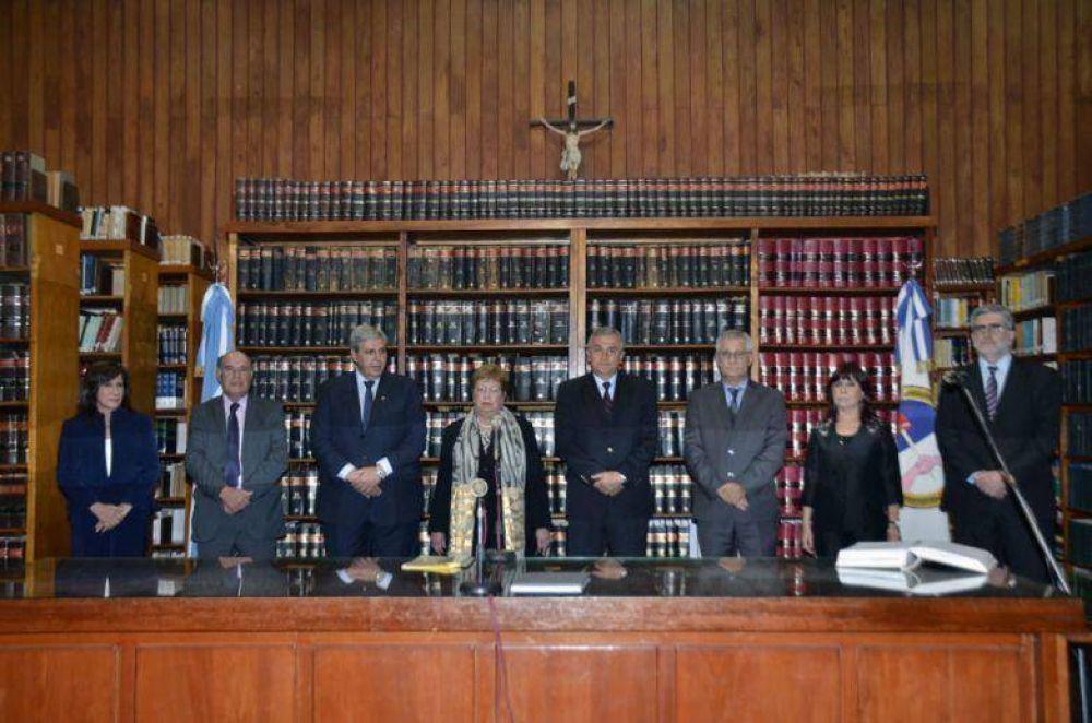 """""""EL CONCURSO PÚBLICO GARANTIZA MAYOR INDEPENDENCIA, IDONEIDAD Y TRANSPARENCIA EN LA JUSTICIA"""""""