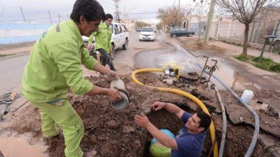 Revent� un ca�o y la ciudad se qued� sin agua potable